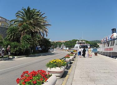 Rab Hafenpromenade