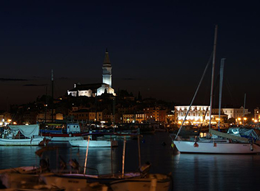 Rovinj Hafen Nachts